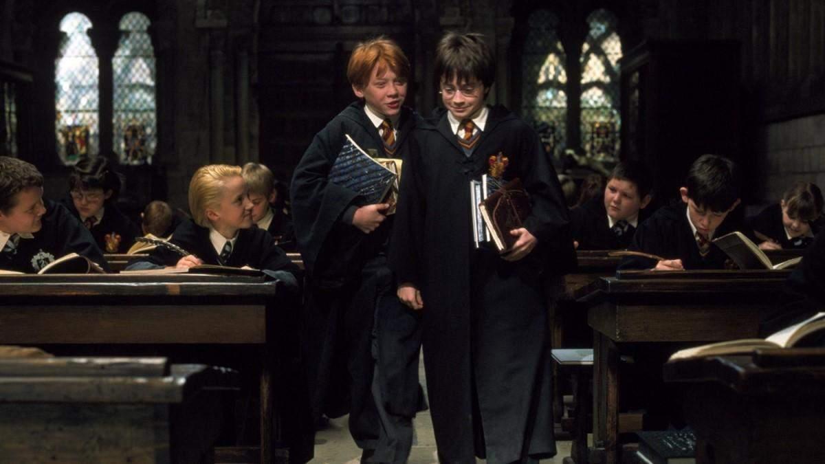 Том Фелтон поделился архивным фото с актерами Гарри Поттера