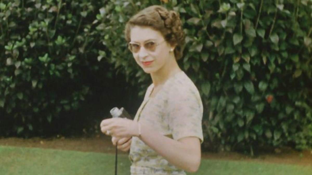 Елизавета II на уникальный кадрах фильма The Queen Unseen