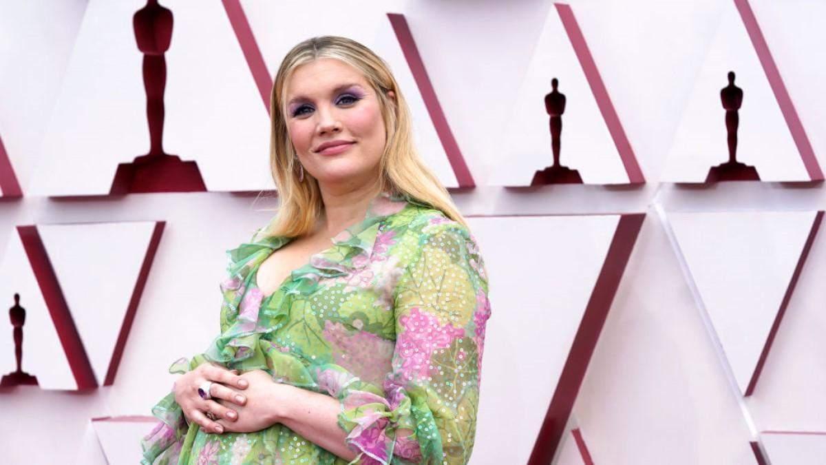Беременная Эмиральды Феннел на Оскаре