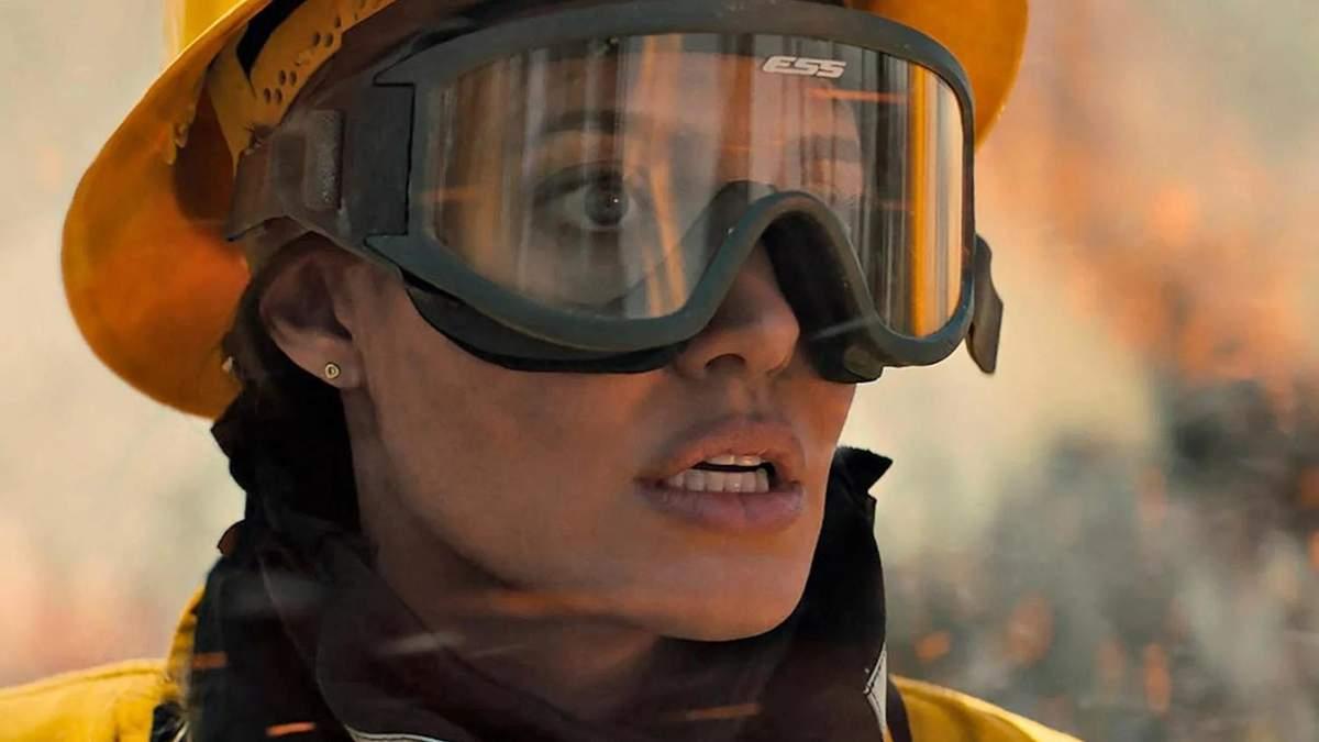 Итервью с Анджелиной Джоли – звездой фильма Те, кто желает мне смерти