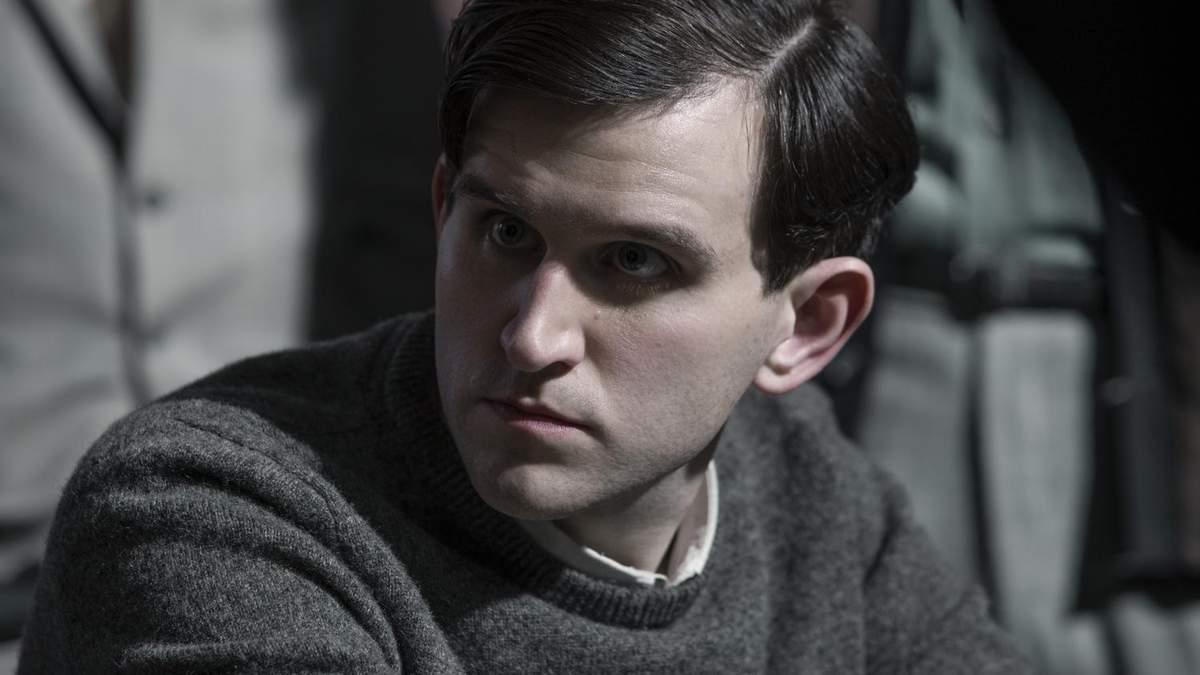 Гаррі Меллінг зіграє роль Едгара По в детективі від Netflix