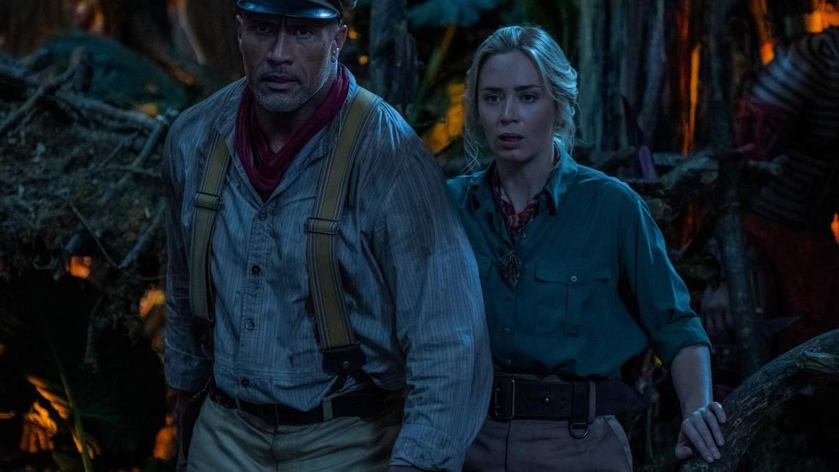 Двейн Джонс та Емілі Блант у фільмі Disney Круїз по джунглях