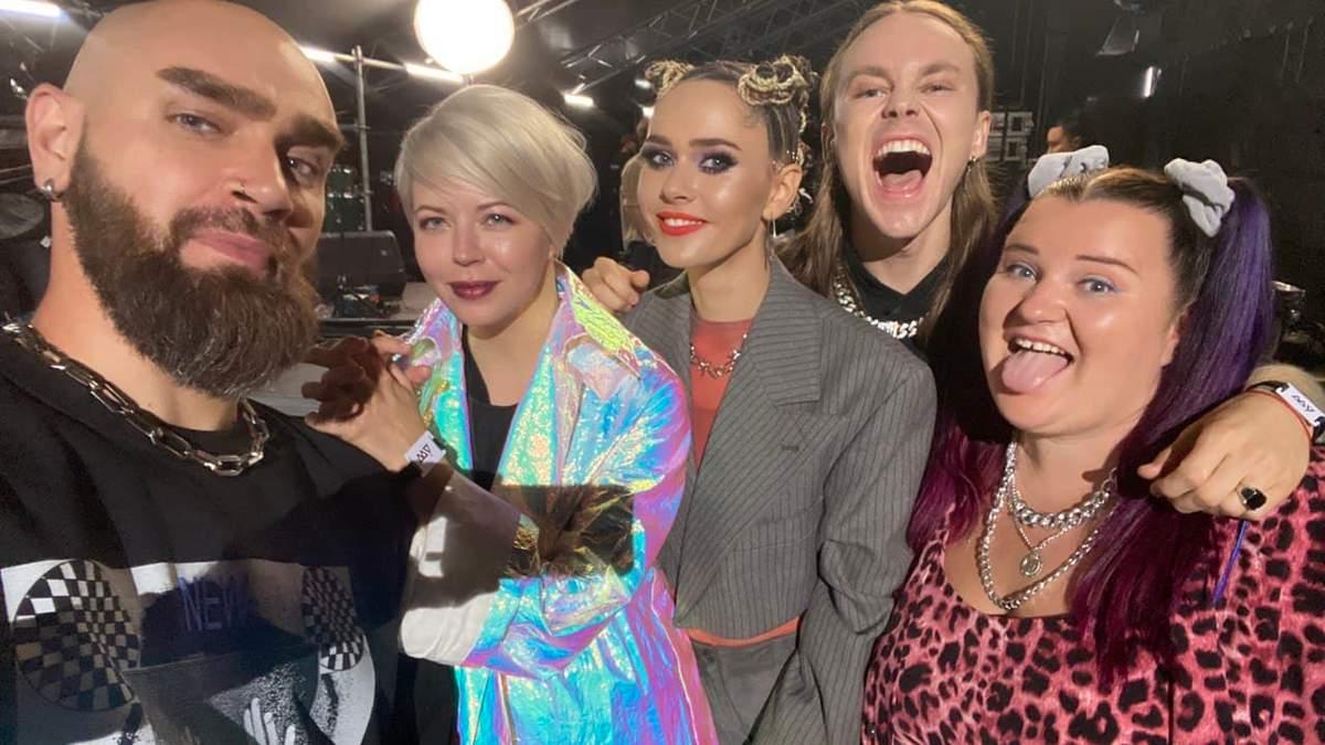 Юлия Санина, Alyona Alyona, Onuka и Артем Пивоваров представляют саундтрек к фильму Лучшие выходные