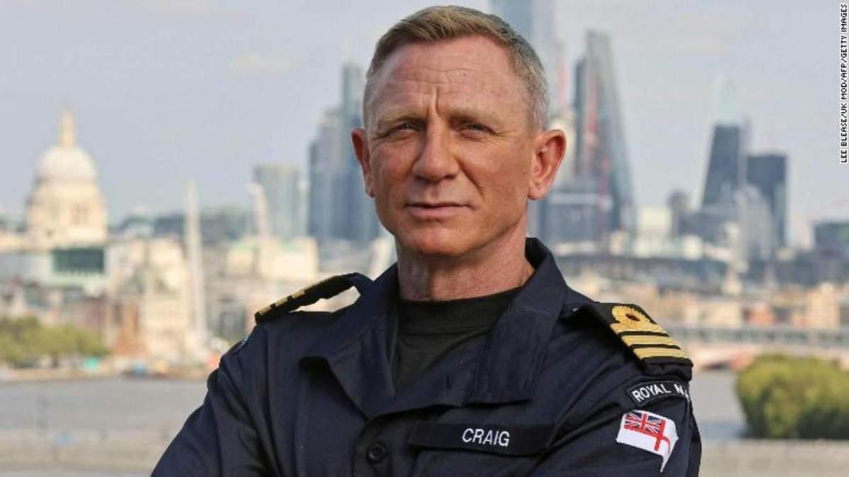 Як Джеймс Бонд: Денієл Крейґ отримав ранг командера ВМФ Великої Британії - Кіно