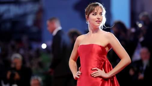 Найефектніші червоні сукні на Венеційському фестивалі 2018: фото