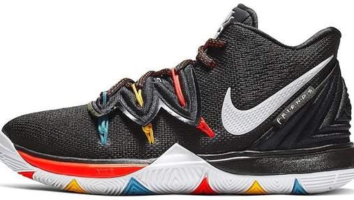 """Кросівки Nike у стилі серіалу """"Друзі"""": як виглядає модна новинка"""