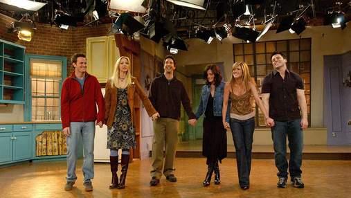 """Кортні Кокс показала, як проходив останній день зйомок серіалу """"Друзі"""""""