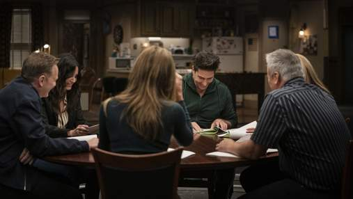 """Дженніфер Еністон поділилася зворушливим фото з колегами зі зйомок спецепізоду """"Друзів"""""""