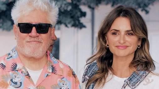 Пенелопа Крус появилась в Венеции в белоснежном твиде от Chanel: стильные фото